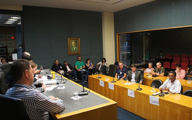 Seminário reuniu setor de plásticos e poder legislativo do ES